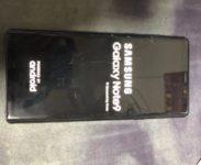 Unikly fotky Samsung Galaxy Note 9 srozbitým čelním sklem